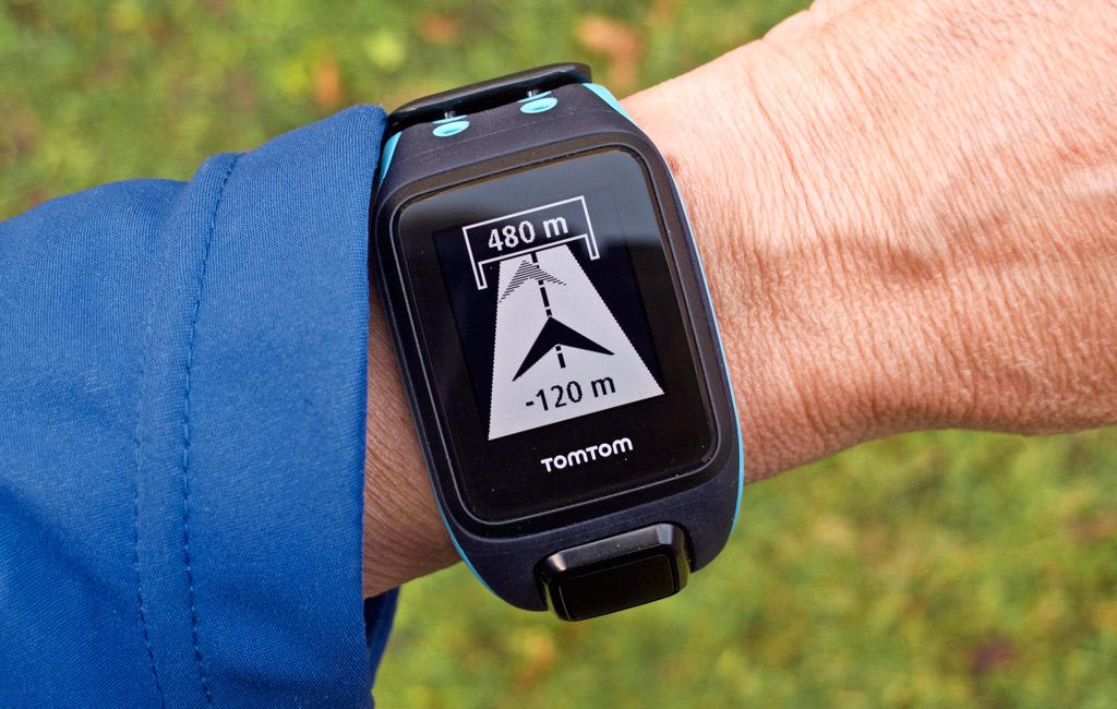 TM-pikakoe: Tomtom Runner 2 Cardio + Music optinen gps-sykemittari - Tekniikan Maailma